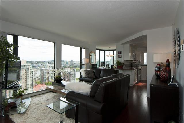 Main Photo: 2301 1155 Homer Street in City Crest: Yaletown Home for sale ()  : MLS®# V945611