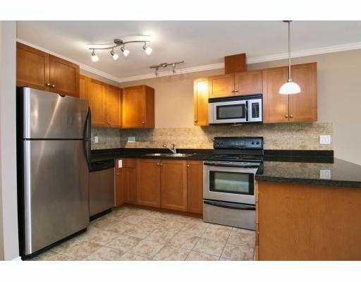Photo 2: Photos: 414 22255 122 Street in Maple Ridge: Condo for sale : MLS®# V1028274