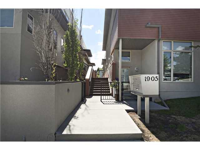 Main Photo: 217 1905 27 Avenue SW in Calgary: Townhouse for sale : MLS®# C3619773