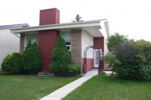 Main Photo: 59 Knotsberry Bay in Winnipeg: River Park South Single Family Detached for sale (2F)