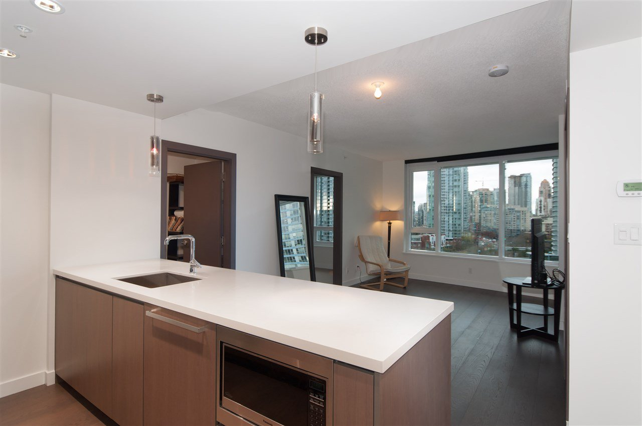 Photo 4: Photos: 1111 68 SMITHE STREET in Vancouver: Yaletown Condo for sale (Vancouver West)  : MLS®# R2128833