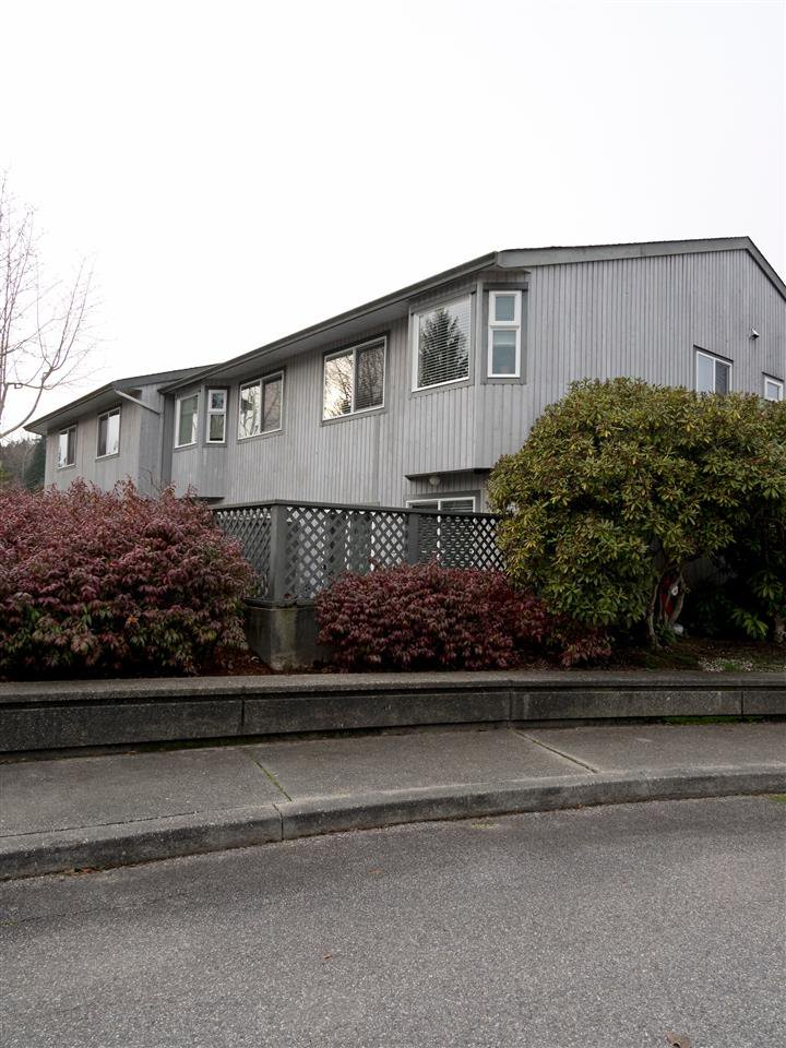 Photo 19: Photos: 19 5761 WHARF Avenue in Sechelt: Sechelt District Townhouse for sale (Sunshine Coast)  : MLS®# R2428590