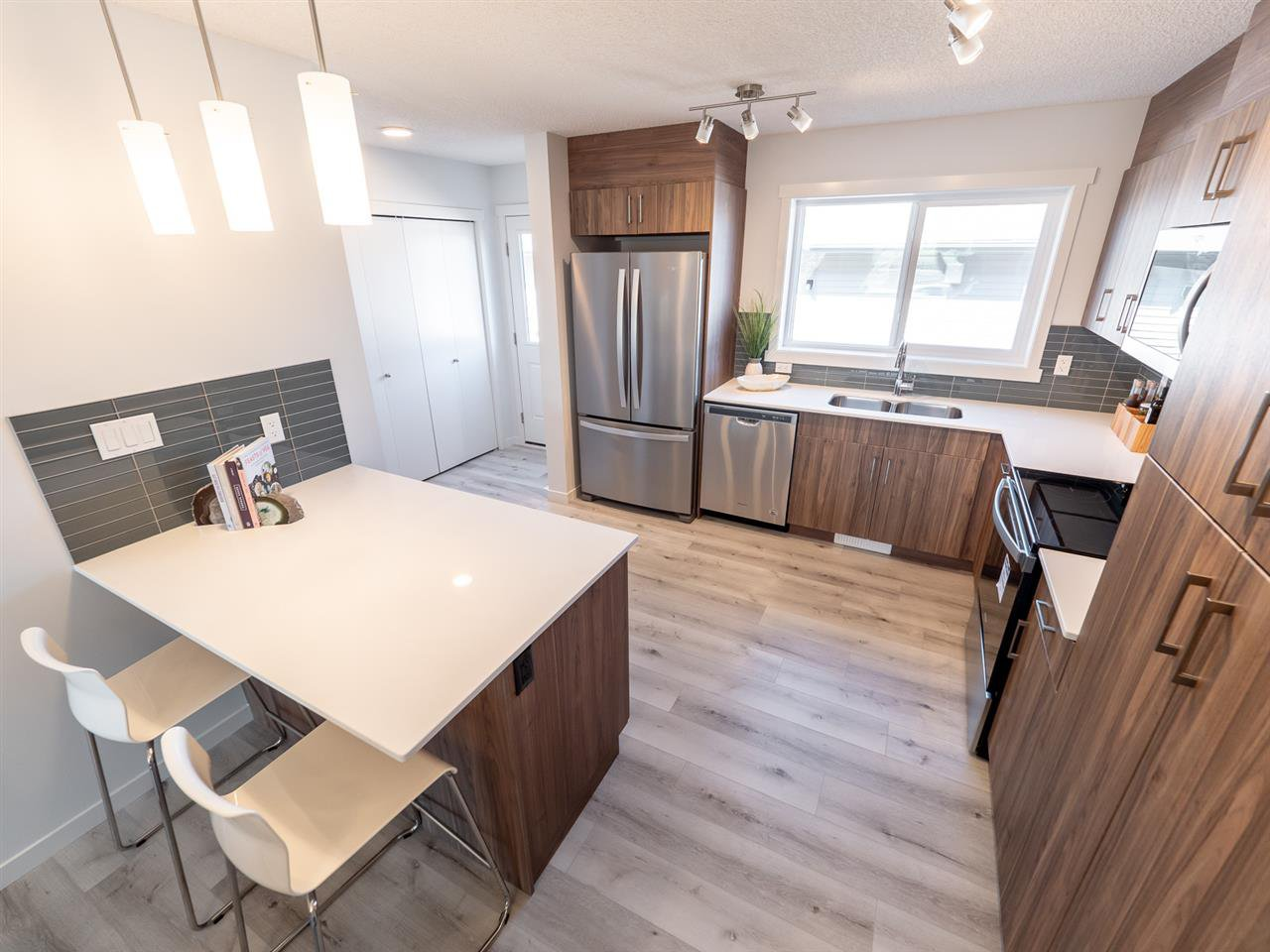 Main Photo: 2616 201 Street in Edmonton: Zone 57 Attached Home for sale : MLS®# E4204703