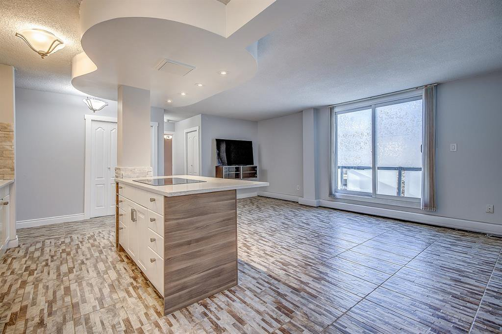 Photo 8: Photos: 303 2209 14 Street SW in Calgary: Bankview Apartment for sale : MLS®# A1048421