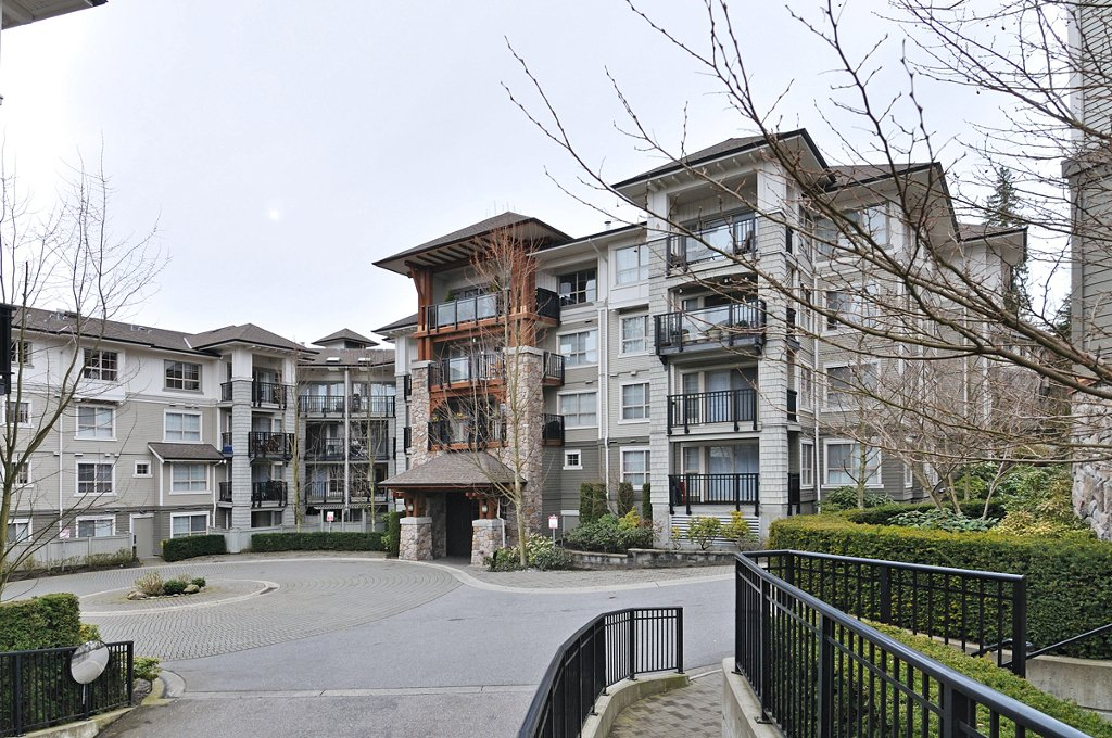 "Main Photo: 309 2958 SILVER SPRINGS Boulevard in Coquitlam: Westwood Plateau Condo for sale in ""TAMARISK"" : MLS®# V940588"