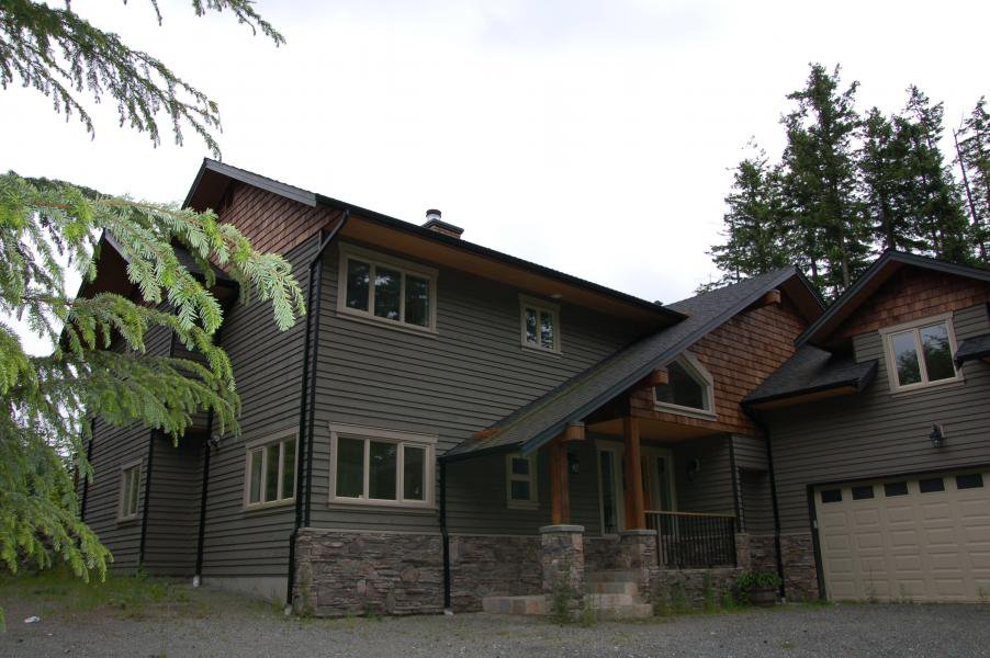 Main Photo: 410 Salal Road in Bowen Island: House for sale : MLS®# V1028426