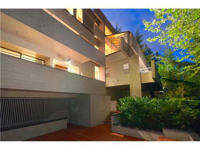 Main Photo: 5338 MONTIVERDI PLACE in WEST VANC: Caulfield House for sale (West Vancouver)  : MLS®# V1136533