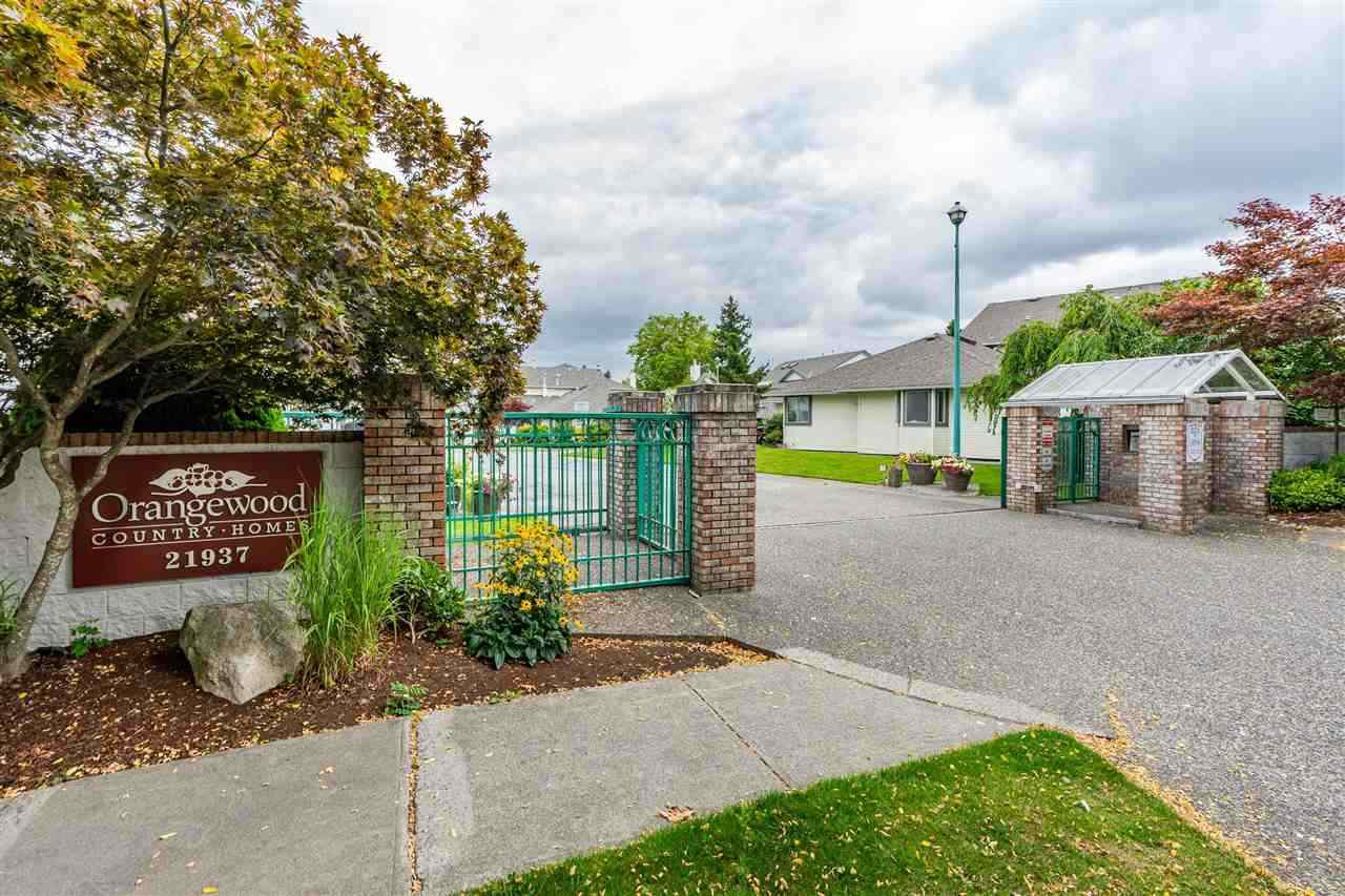 "Main Photo: 1001 21937 48 AVE Avenue in Langley: Murrayville Townhouse for sale in ""Orangewood"" : MLS®# R2428223"