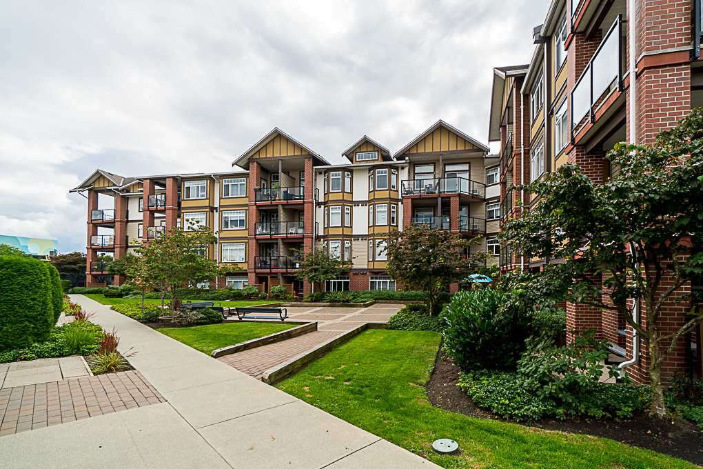 "Main Photo: 230 5660 201A Street in Langley: Langley City Condo for sale in ""PADDINGTON STATION"" : MLS®# R2428597"
