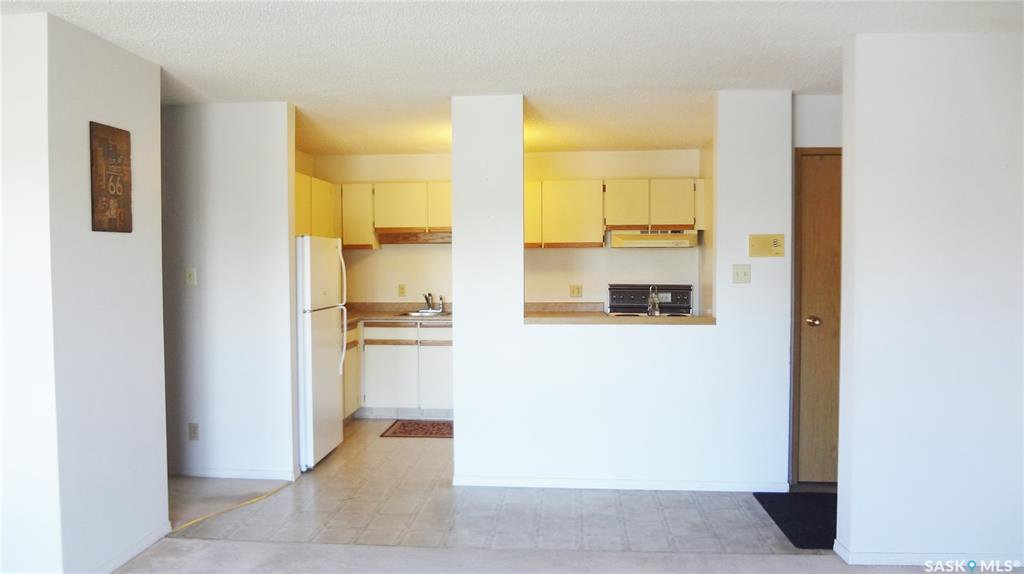 Photo 3: Photos: 204 355 Kingsmere Boulevard in Saskatoon: Lakeview SA Residential for sale : MLS®# SK799307