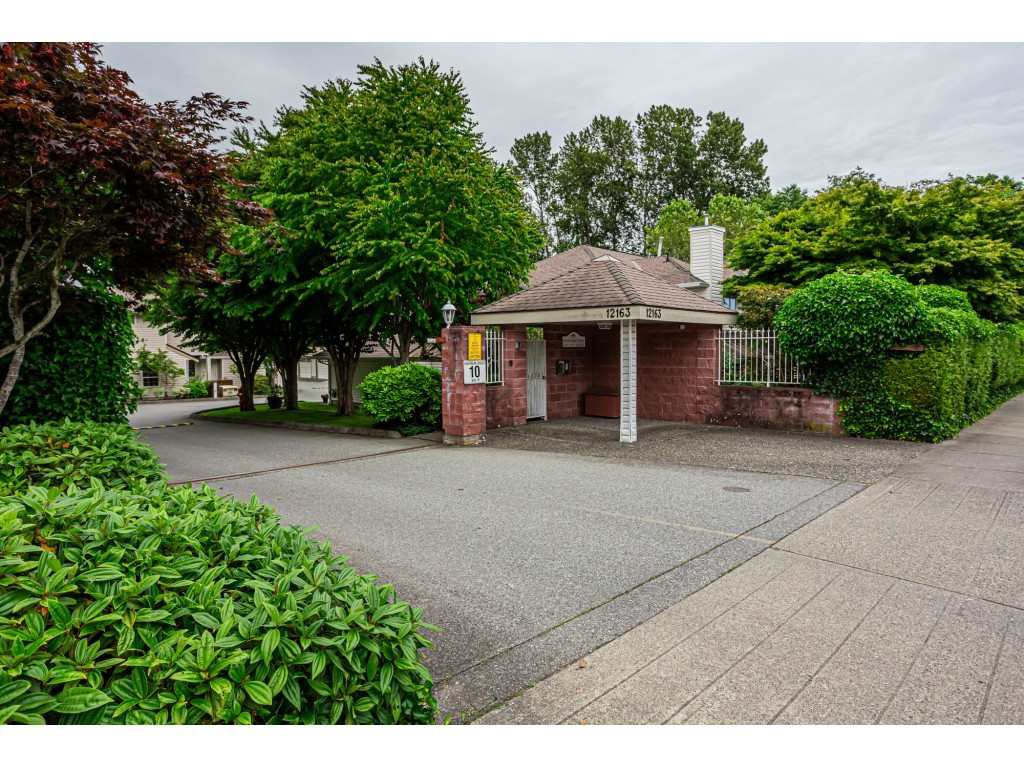 "Main Photo: 106 12163 68 Avenue in Surrey: West Newton Townhouse for sale in ""COUGAR CREEK ESTATES"" : MLS®# R2467725"