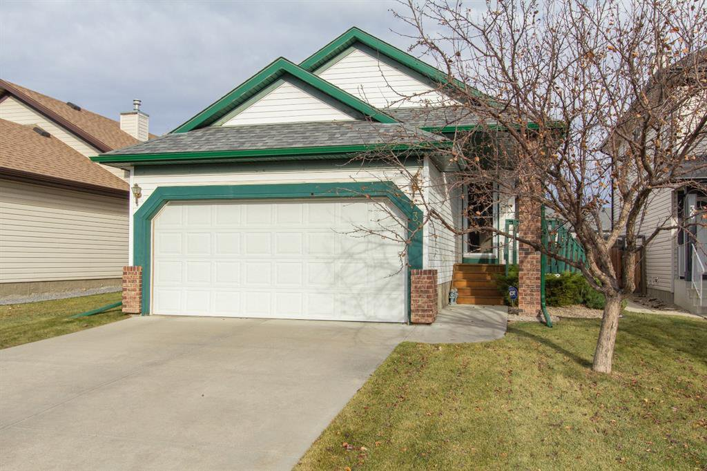 Photo 1: Photos: 32 Coverton Heights NE in Calgary: Coventry Hills Detached for sale : MLS®# A1046669