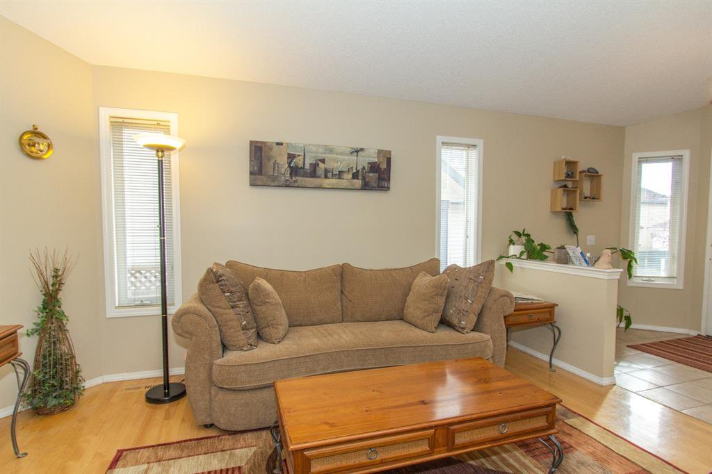 Photo 5: Photos: 32 Coverton Heights NE in Calgary: Coventry Hills Detached for sale : MLS®# A1046669