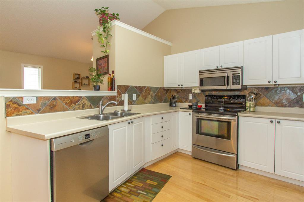 Photo 7: Photos: 32 Coverton Heights NE in Calgary: Coventry Hills Detached for sale : MLS®# A1046669