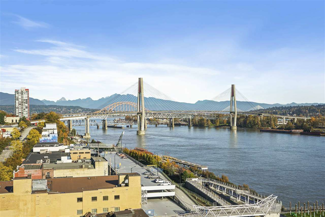 "Main Photo: 1607 668 COLUMBIA Street in New Westminster: Quay Condo for sale in ""TRAPP + HOLBROOK"" : MLS®# R2515895"