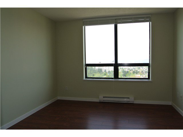 Photo 4: Photos: # 2806 4333 CENTRAL BV in Burnaby: Metrotown Condo for sale (Burnaby South)  : MLS®# V1064348
