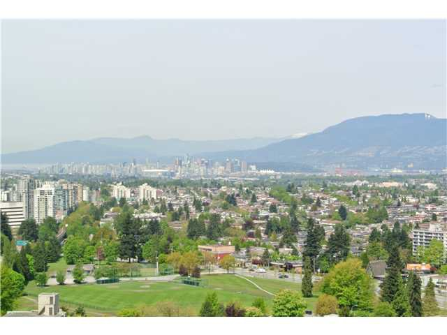 Photo 2: Photos: # 2806 4333 CENTRAL BV in Burnaby: Metrotown Condo for sale (Burnaby South)  : MLS®# V1064348