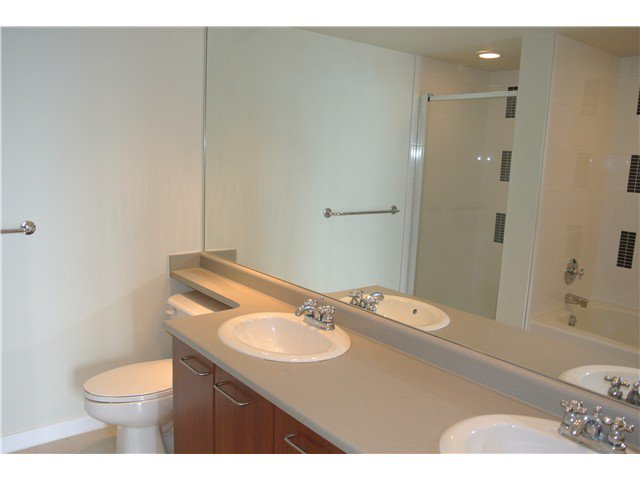 Photo 8: Photos: # 2806 4333 CENTRAL BV in Burnaby: Metrotown Condo for sale (Burnaby South)  : MLS®# V1064348