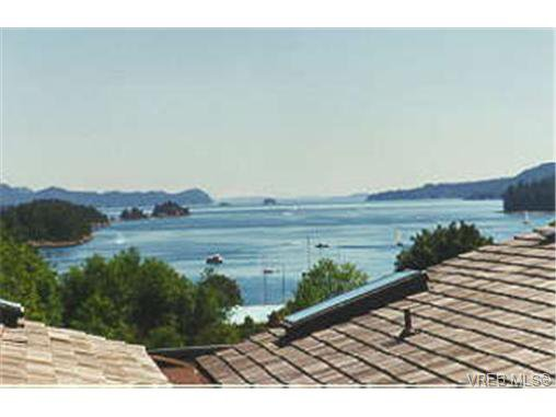 Main Photo: 14 133 Corbett Rd in SALT SPRING ISLAND: GI Salt Spring Row/Townhouse for sale (Gulf Islands)  : MLS®# 249784