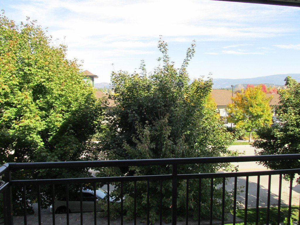Main Photo: 316-547 Yates in Kelowna: North Glenmore Condo for sale : MLS®# 10089798