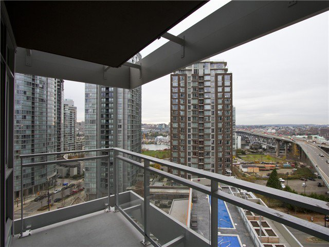 Main Photo: 1507 1372 Seymour Street in Vancouver: Condo for sale