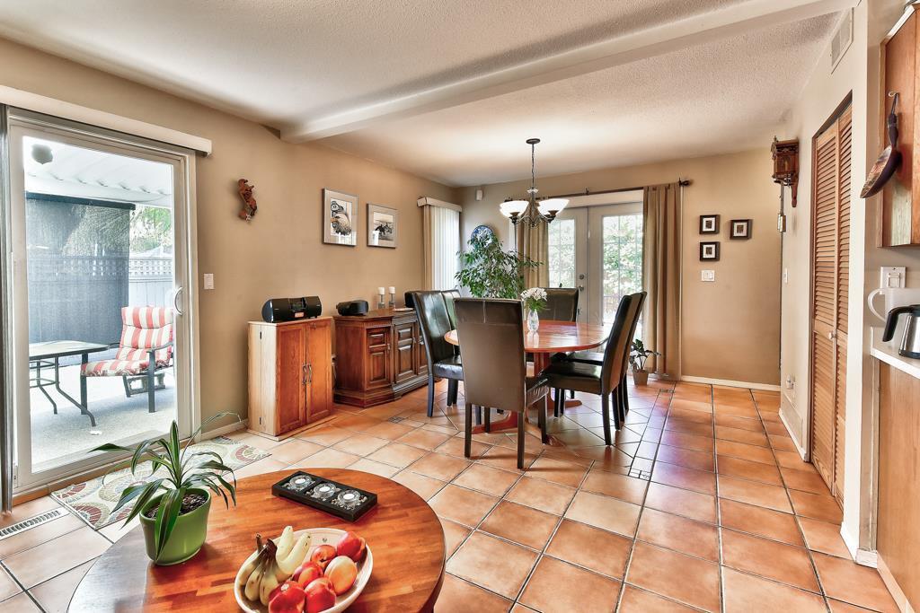 Photo 13: Photos: 4715 CEDAR TREE LANE in Delta: Delta Manor House for sale (Ladner)  : MLS®# R2234404