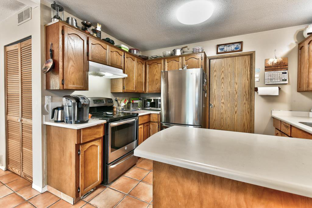 Photo 12: Photos: 4715 CEDAR TREE LANE in Delta: Delta Manor House for sale (Ladner)  : MLS®# R2234404
