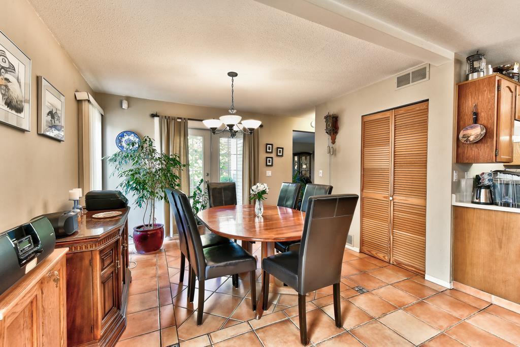 Photo 14: Photos: 4715 CEDAR TREE LANE in Delta: Delta Manor House for sale (Ladner)  : MLS®# R2234404
