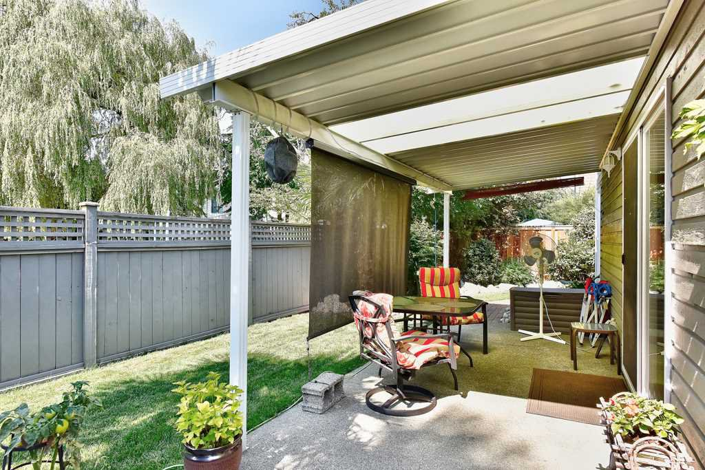 Photo 3: Photos: 4715 CEDAR TREE LANE in Delta: Delta Manor House for sale (Ladner)  : MLS®# R2234404