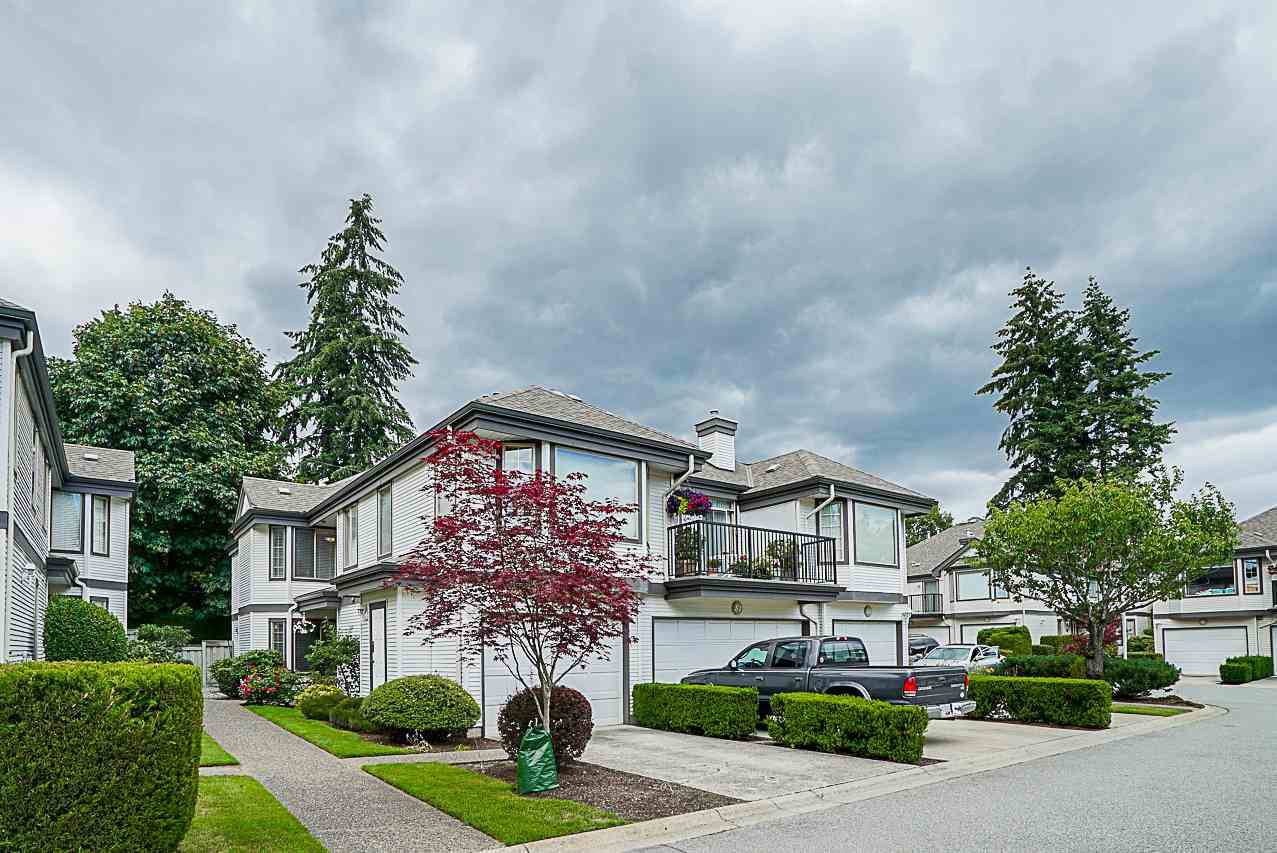 Main Photo: 49 15840 84 AVENUE in Surrey: Fleetwood Tynehead Townhouse for sale : MLS®# R2284673