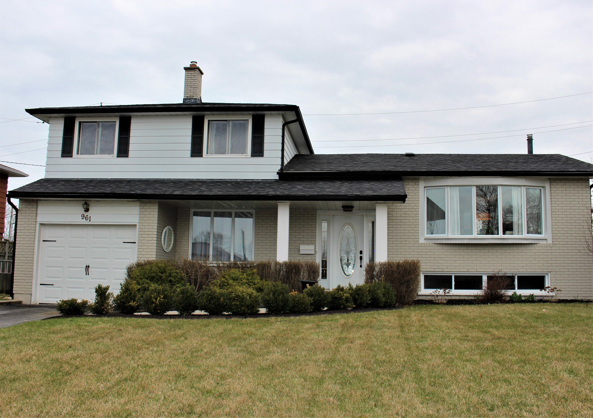 Main Photo: 961 Curtis Crescent in Cobourg: Residential Detached for sale : MLS®# 188908