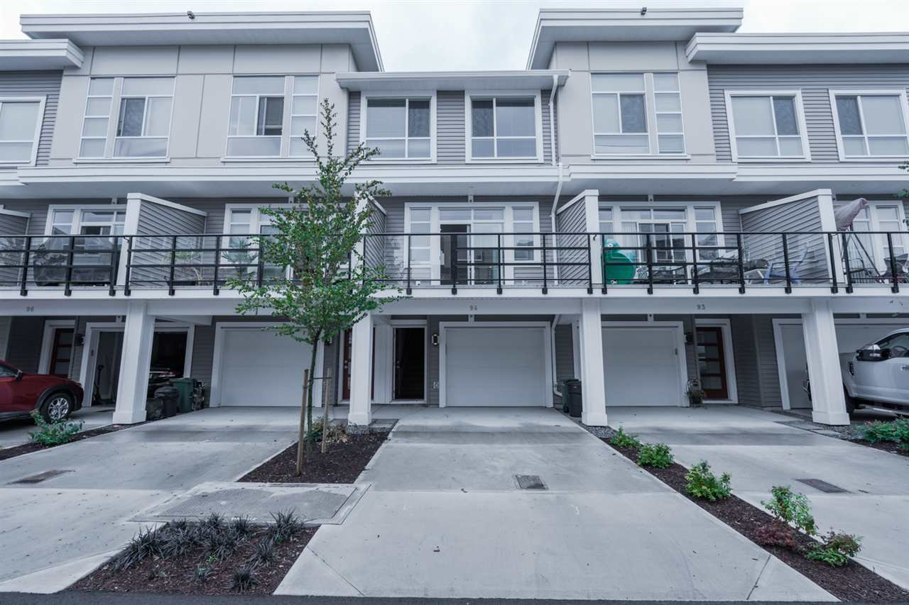 Main Photo: 94 8413 MIDTOWN Way in Chilliwack: Chilliwack W Young-Well Townhouse for sale : MLS®# R2403084