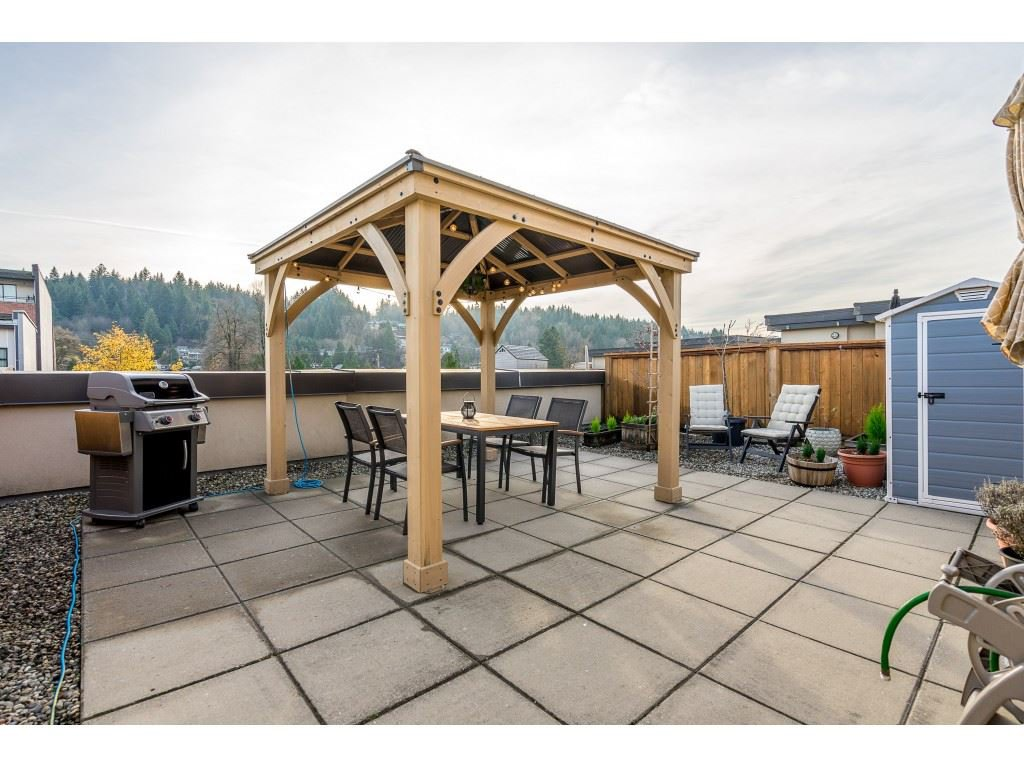 """Main Photo: 4005 84 GRANT Street in Port Moody: Port Moody Centre Condo for sale in """"LIGHTHOUSE"""" : MLS®# R2421320"""