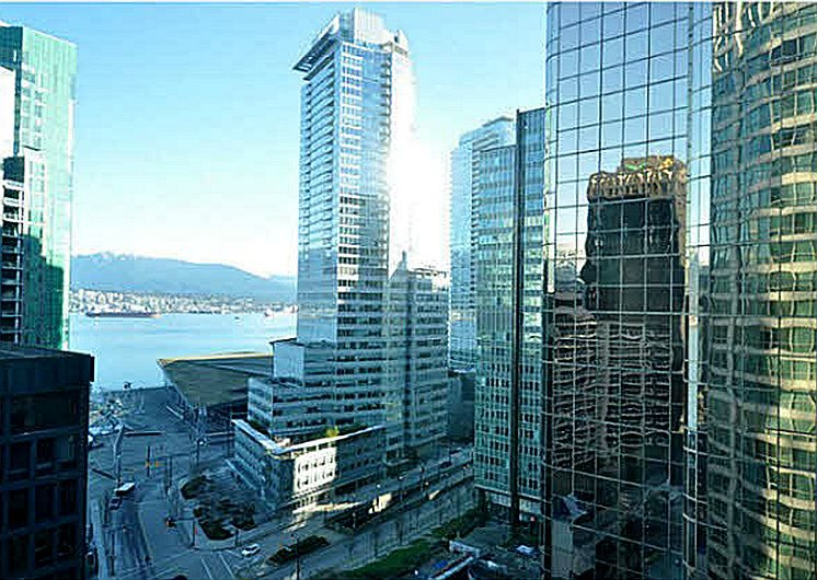 "Main Photo: 1605 1128 W HASTINGS Street in Vancouver: Coal Harbour Condo for sale in ""Marriott Pinnacle Hotel"" (Vancouver West)  : MLS®# R2514257"