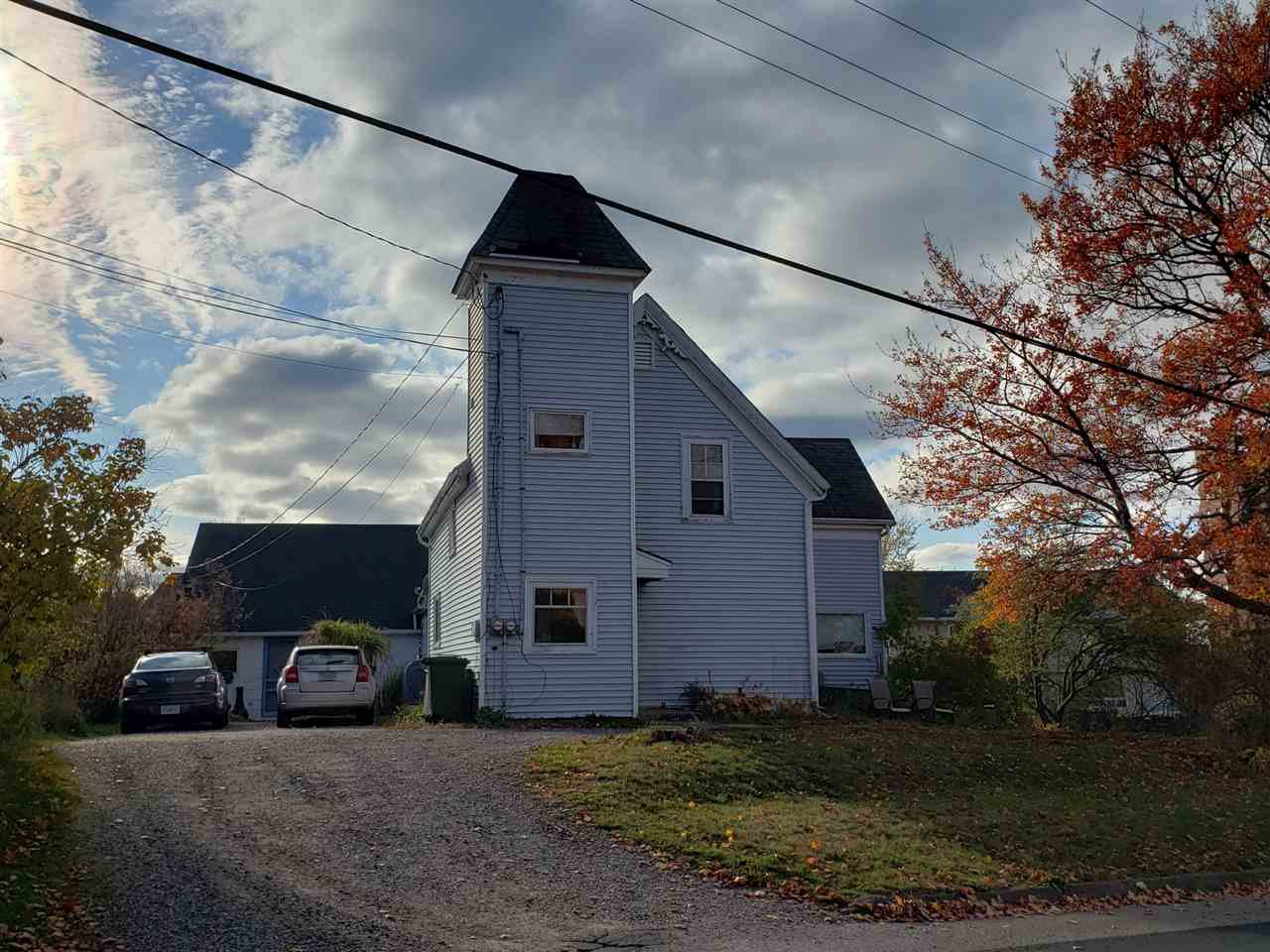 Main Photo: 72 Highland Avenue in Wolfville: 404-Kings County Multi-Family for sale (Annapolis Valley)  : MLS®# 202100237