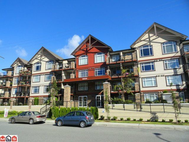 "Photo 1: Photos: 407 19939 55A Avenue in Langley: Langley City Condo for sale in ""MADISON CROSSING"" : MLS®# F1222971"