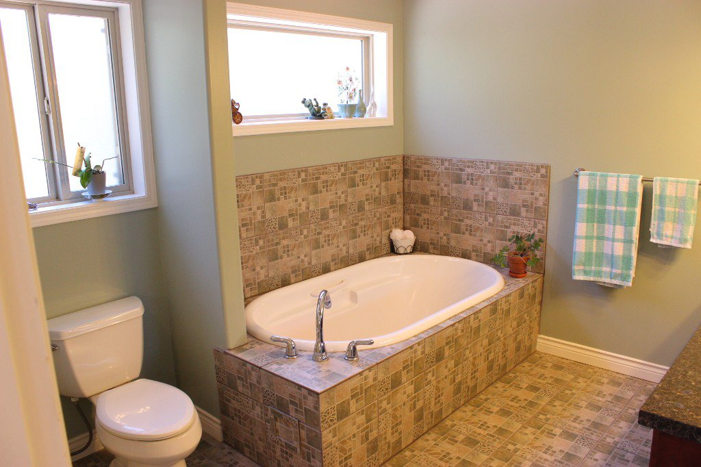 Photo 11: Photos: 3728 Navatanee Drive in Kamloops: Campbell Cr/Del Oro House for sale : MLS®# 126289