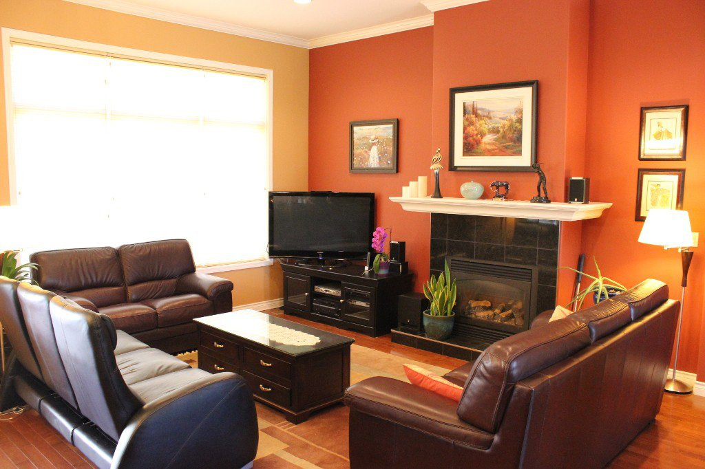 Photo 2: Photos: 3728 Navatanee Drive in Kamloops: Campbell Cr/Del Oro House for sale : MLS®# 126289
