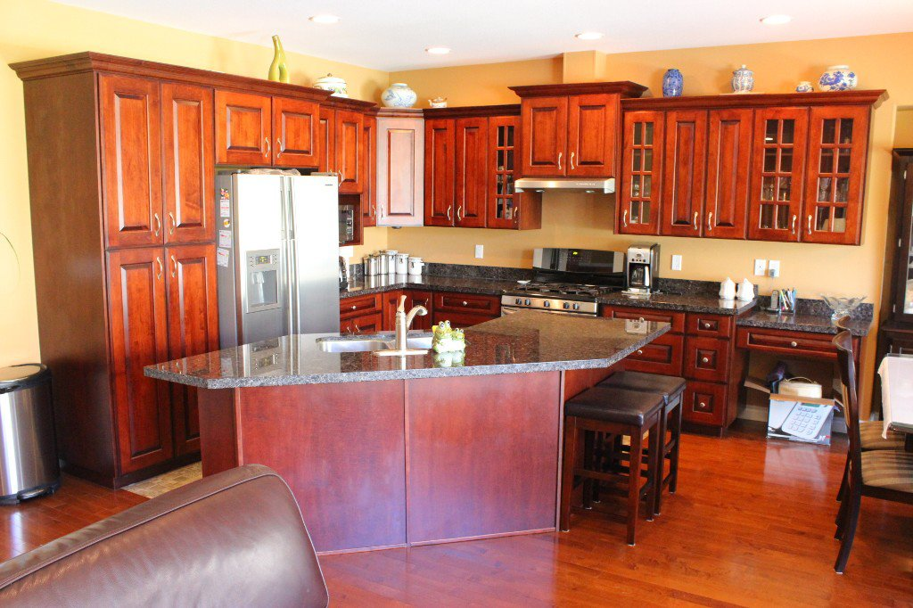 Photo 5: Photos: 3728 Navatanee Drive in Kamloops: Campbell Cr/Del Oro House for sale : MLS®# 126289