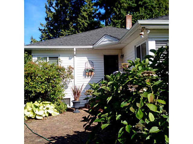 Main Photo: 934  17th St in West Vancouver: Ambleside House for sale : MLS®# V1141297