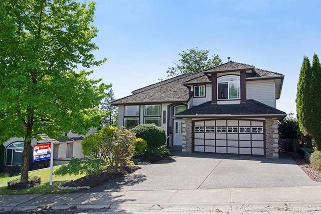 Main Photo: Maple Ridge: Condo for sale : MLS®# R2065073