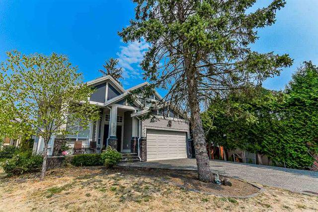Main Photo: 19393 62Ave in Surrey: House for sale (Cloverdale)  : MLS®# R2296662