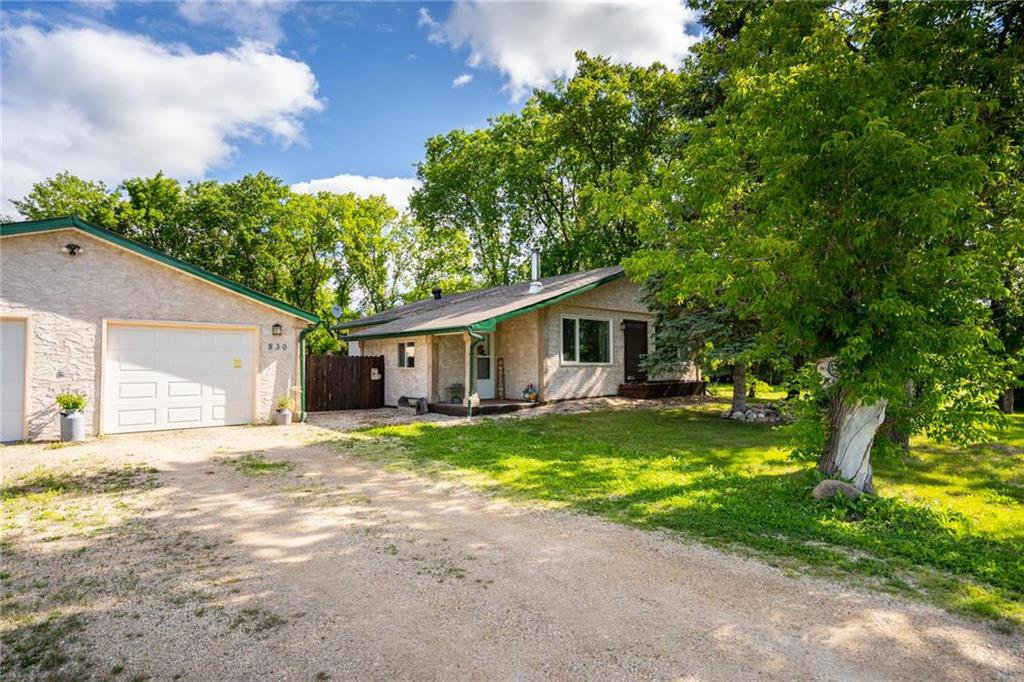 Main Photo: 830 WEISER Crescent: Anola Residential for sale (R04)  : MLS®# 202015147