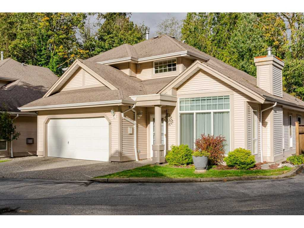 """Main Photo: 39 9025 216 Street in Langley: Walnut Grove Townhouse for sale in """"Coventry Woods"""" : MLS®# R2508281"""