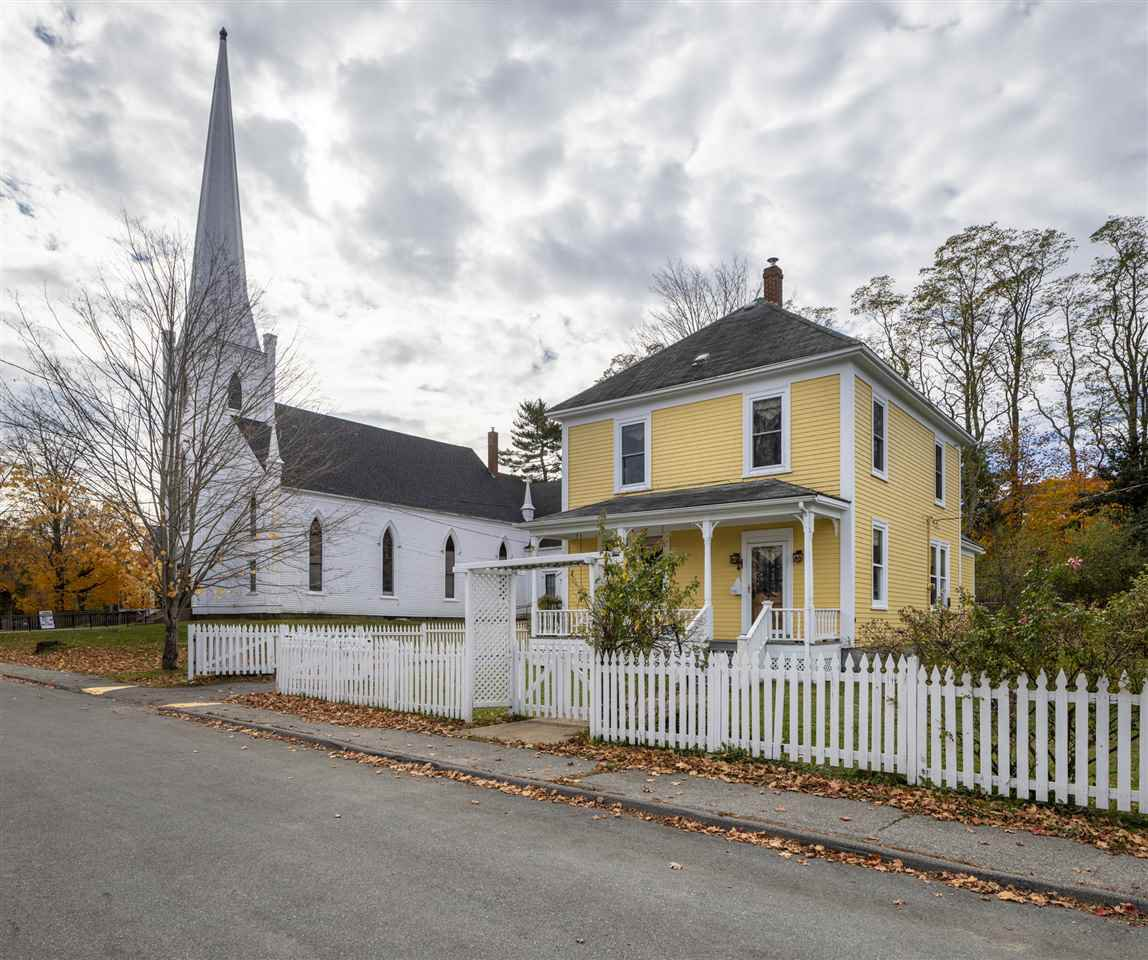 Main Photo: 48 Maple Street in Mahone Bay: 405-Lunenburg County Residential for sale (South Shore)  : MLS®# 202022614