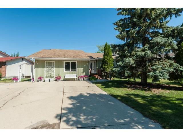 Main Photo: 11 Brentlawn Boulevard in WINNIPEG: Fort Garry / Whyte Ridge / St Norbert Residential for sale (South Winnipeg)  : MLS®# 1220983