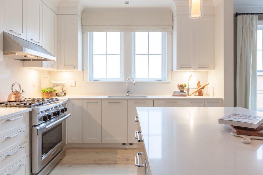 Main Photo: 12918 15A Avenue in Surrey: Crescent Bch Ocean Pk. House for sale (South Surrey White Rock)  : MLS®# R2044495