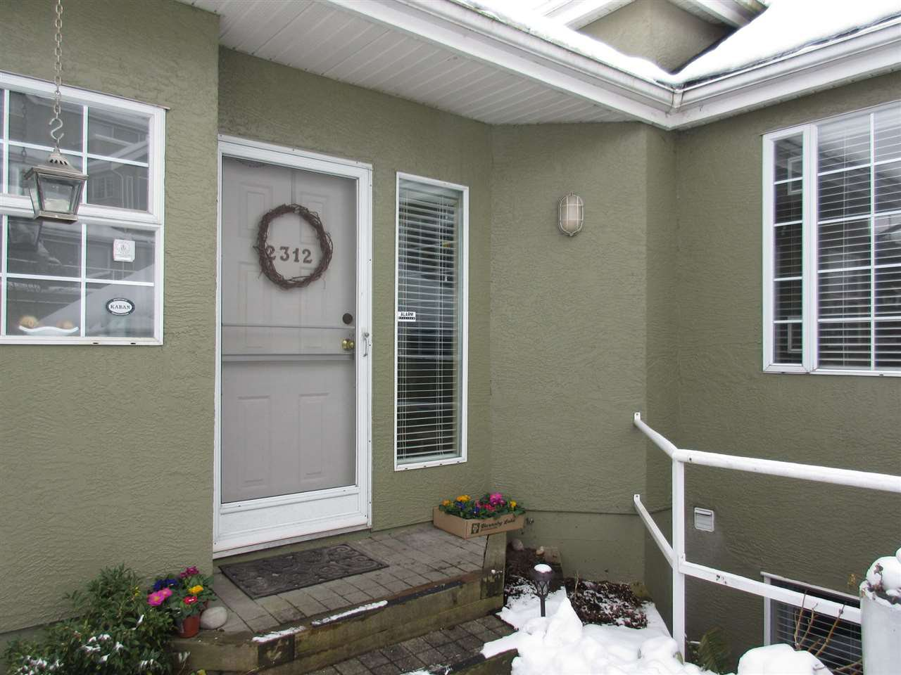 Main Photo: 2312 QUAYSIDE COURT in Vancouver: Fraserview VE Townhouse for sale (Vancouver East)  : MLS®# R2137653