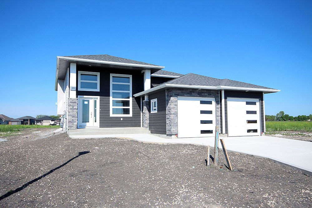 Main Photo: 28 Bartman Drive in St Adolphe: Tourond Creek Residential for sale (R07)  : MLS®# 1929969