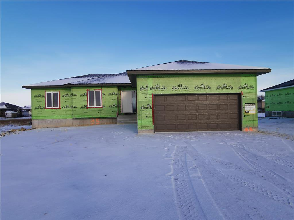 Main Photo: 35 Palas Drive in Garson: R03 Residential for sale : MLS®# 202003933